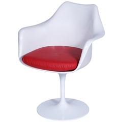 Cadeira Almofadada com Braços Saarinen Branca E Vermelha - Ór Design