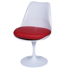 Cadeira Almofadada Saarinen Branca E Vermelha - Ór Design
