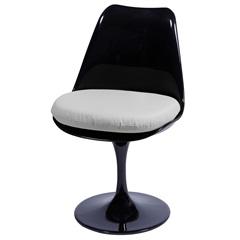 Cadeira Almofadada Saarinen Preta E Branca - Ór Design