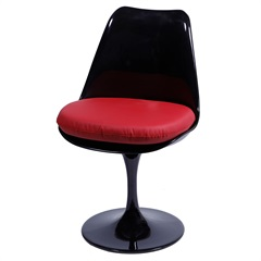Cadeira Almofadada Saarinen Preta E Vermelha - Ór Design