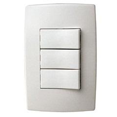 Conjunto com 3 Interruptores Simples com Placa Pialplus Ref. 613100 - Pial Legrand