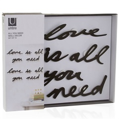 Painel Decorativo Love Is All You Need 41x33cm Preto - Casa Etna