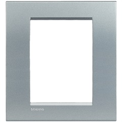 Placa 4x4 para 6 Postos Livinglight Tech - BTicino