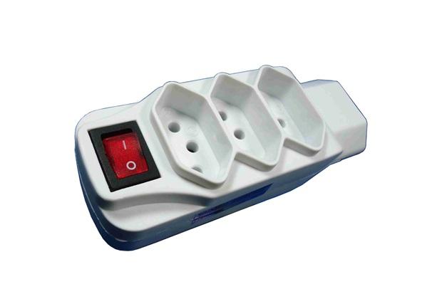 Adaptador Universal 4 Tomadas 2p + T com Interruptor Branco - Key West