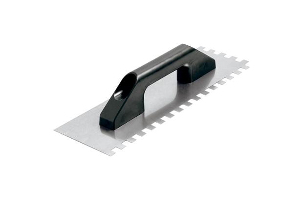 Desempenadeira em Aço Dentada com Cabo Plástico 12x38cm Preta - Cortag