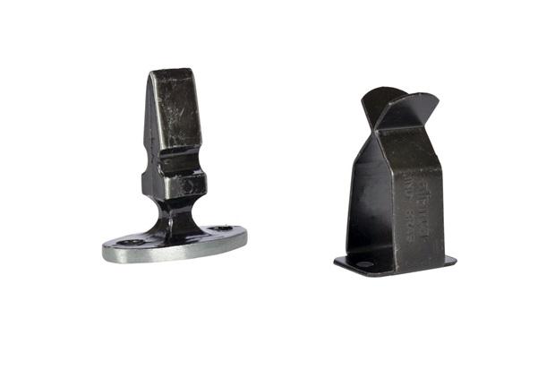 Fixador de Porta em Aço para Rodapé Oxidado - Aliança