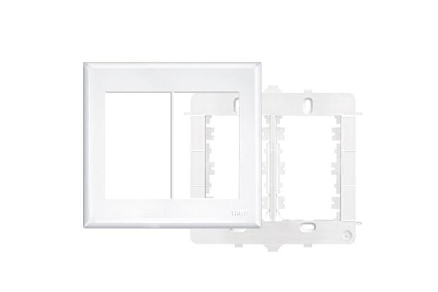 Placa 4x4 com Suporte  6 Módulos Horizontais Branco - Fame