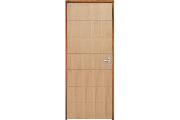 Porta com Miolo Semi Oco Montada Esquerda Curupixá Frisada 210x82cm Natural - Sidney Esquadrias