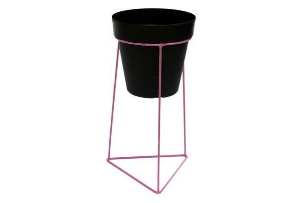 Suporte Triangular em Ferro 37x18cm Rosa do Deserto - Brilia